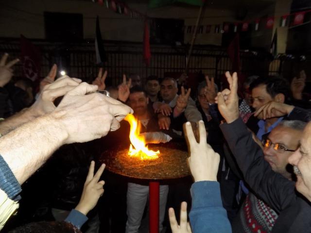 الشعبية في بيروت توقد شعلة انطلاقتها الخمسين