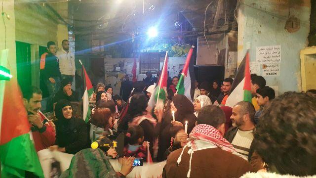 مسيرة شموع في مخيم شاتيلا لروح المثقف المشتبك باسل الأعرج