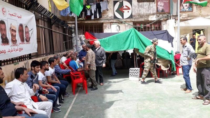 خيمة اعتصام في مخيم شاتيلا تضامنًا مع الأسرى المضربين عن الطعام في سجون العدو الصهيوني