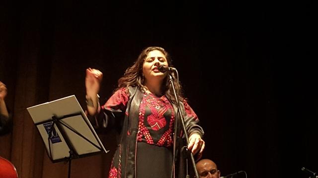 سناء موسى: الاحتلال الصهيوني يحاول تجريدنا من هويتنا الثقافية