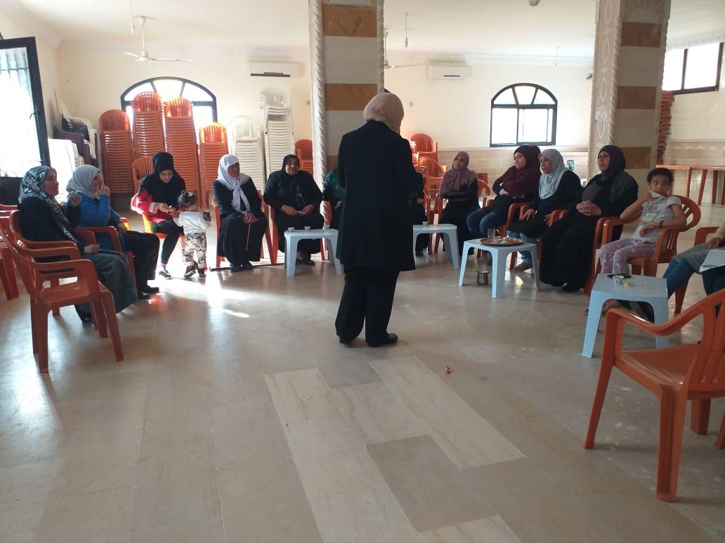 لجان المرأة الفلسطينية تنظم محاضرة صحية في القاسمية