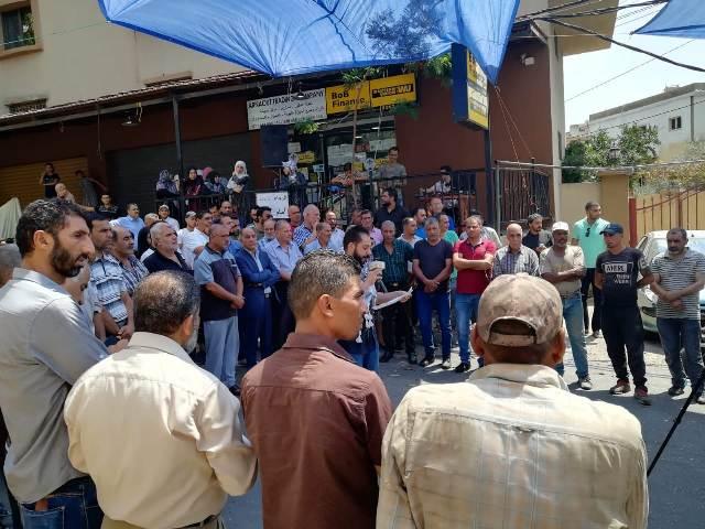 وقفة احتجاجية في مخيمات صور بالتزامن مع جلسة الحكومة اللبنانية