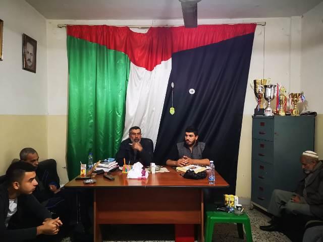 لقاء سياسي شبابي في مخيم الرشيدية