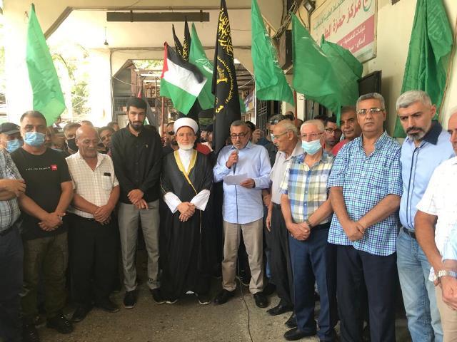 الشعبية في صور تشارك في وقفات تضامنية احتفاءً بتحرير الاسرى الستة