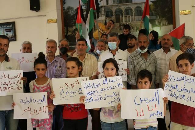 مخيمات وتجمعات منطقة صور تواصل الفعاليات التضامنية المساندة  لصمود اهلنا في القدس