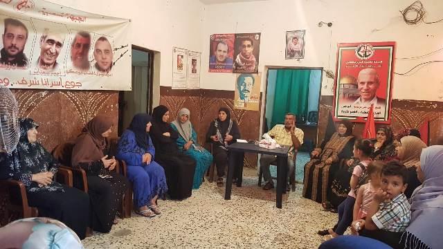 لجان المرأة الفلسطينية في الرشيدية تنظم ندوتان سياسية وصحية