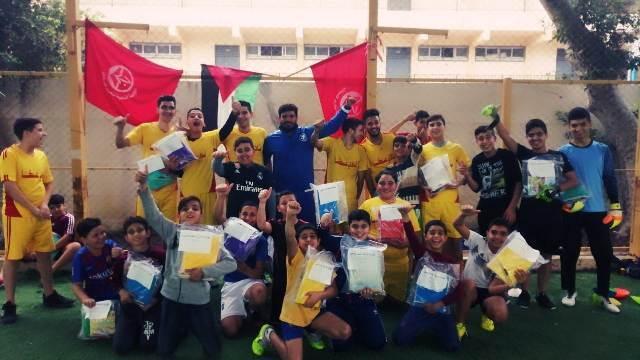 نادي عكا - الرشيدية يقيم نشاطاً رياضياً ويوزع القرطاسية على المشاركين
