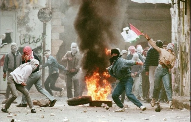 د. وسام الفقعاوي يكتب للهدف: في أتون الانتفاضة وحديث في السياسة