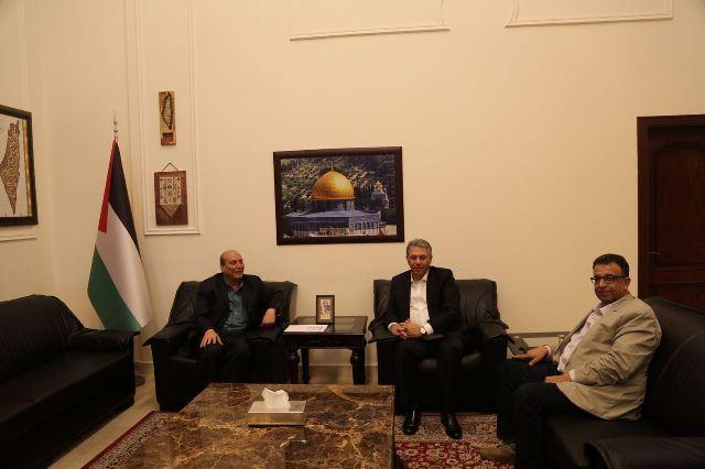 قيادة الشعبية تلتقي السفير أشرف دبور
