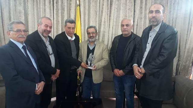 لجنة الأسرى والمحررين للجبهة الشعبية في لبنان تكرم الأسير المحرر أبو علي الديراني