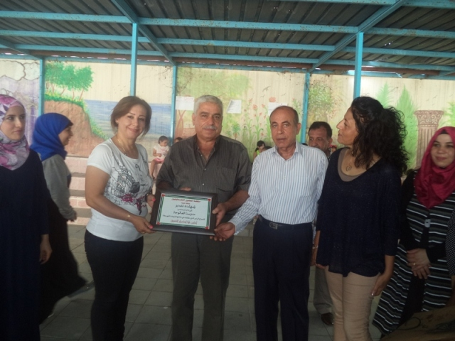 منظمة المعلمين الفسطينيين في صيدا تكرّم مدرسة الفالوجا