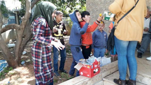 مركزالتضامن الاجتماعي- نواة يقدم مساعدات عينية لنازحي مخيم عين الحلوة