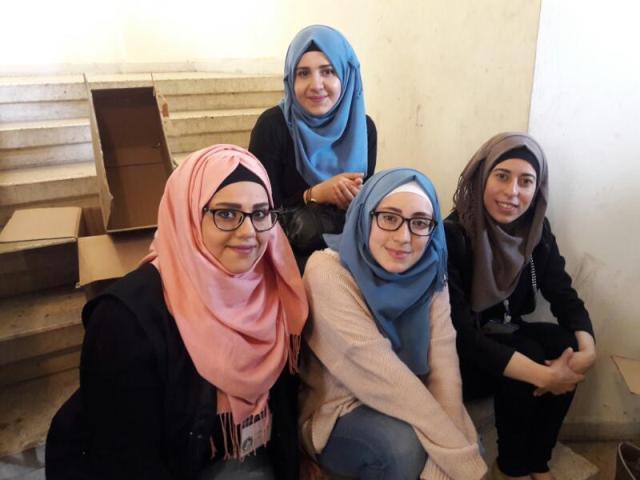 مركزالتضامن الاجتماعي- نواة يتابع تقديم المساعدات للأخوة النازحين من عين الحلوة