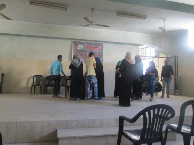 مركز التضامن الاجتماعي - نواة يواصل مشروعه الخاص بتوزيع الحصص التموينية للنازحيين من سوريا
