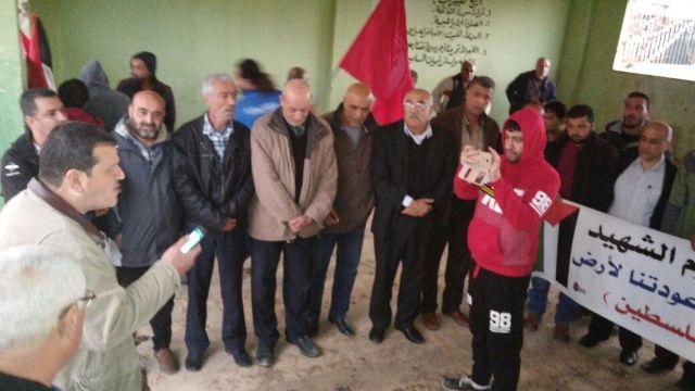 الجبهة الشعبية في مخيم نهر البارد تضع إكليلًا من الورد على أضرحة الشهداء في ذكرى شهيدها جيفارا غزة
