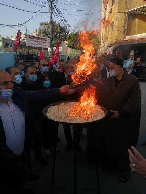 الشعبية في صور تضيء شعلة انطلاقتها الـ 53 وتضع اكليلاً من الورد على النصب التذكاري للشهداء في مخيم الرشيدية