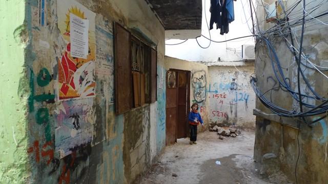 الفلسطينيون في مخيمات لبنان.. من سيئ إلى أسوأ