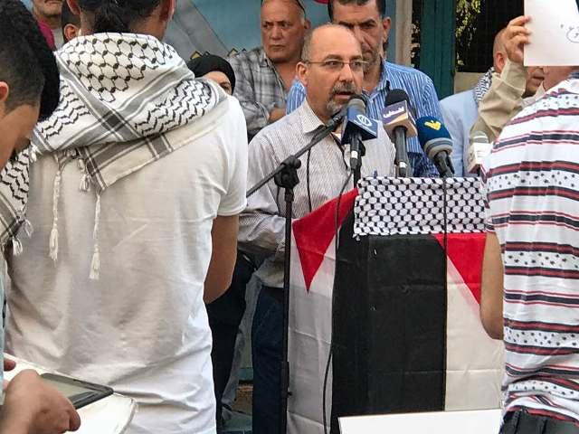 وقفة تضامنية مع الأسرى في منطقة وادي الزينة