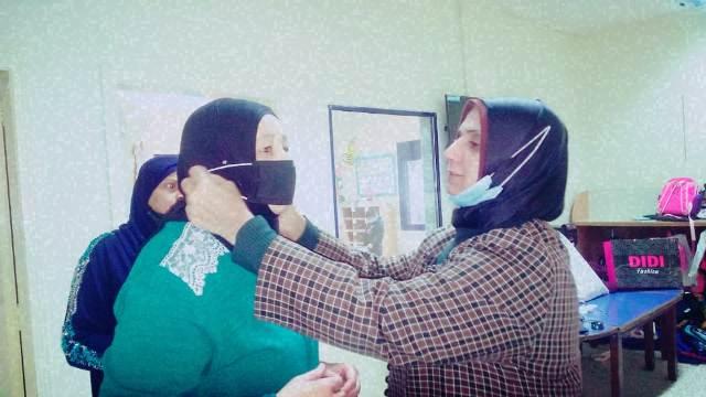 لجان المرأة الشعبية الفلسطينية توزع كمامات على أطفال مؤسسة غسان كنفاني في الشمال