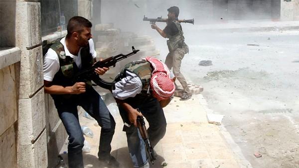 الفصائل تدعو لانسحاب المسلحين من اليرموك وفتح طريق آمن للمساعدات