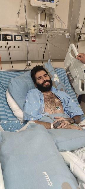 سلطات الاحتلال تهدد الأسير القواسمي بإعطائه مدعمات عبر الوريد